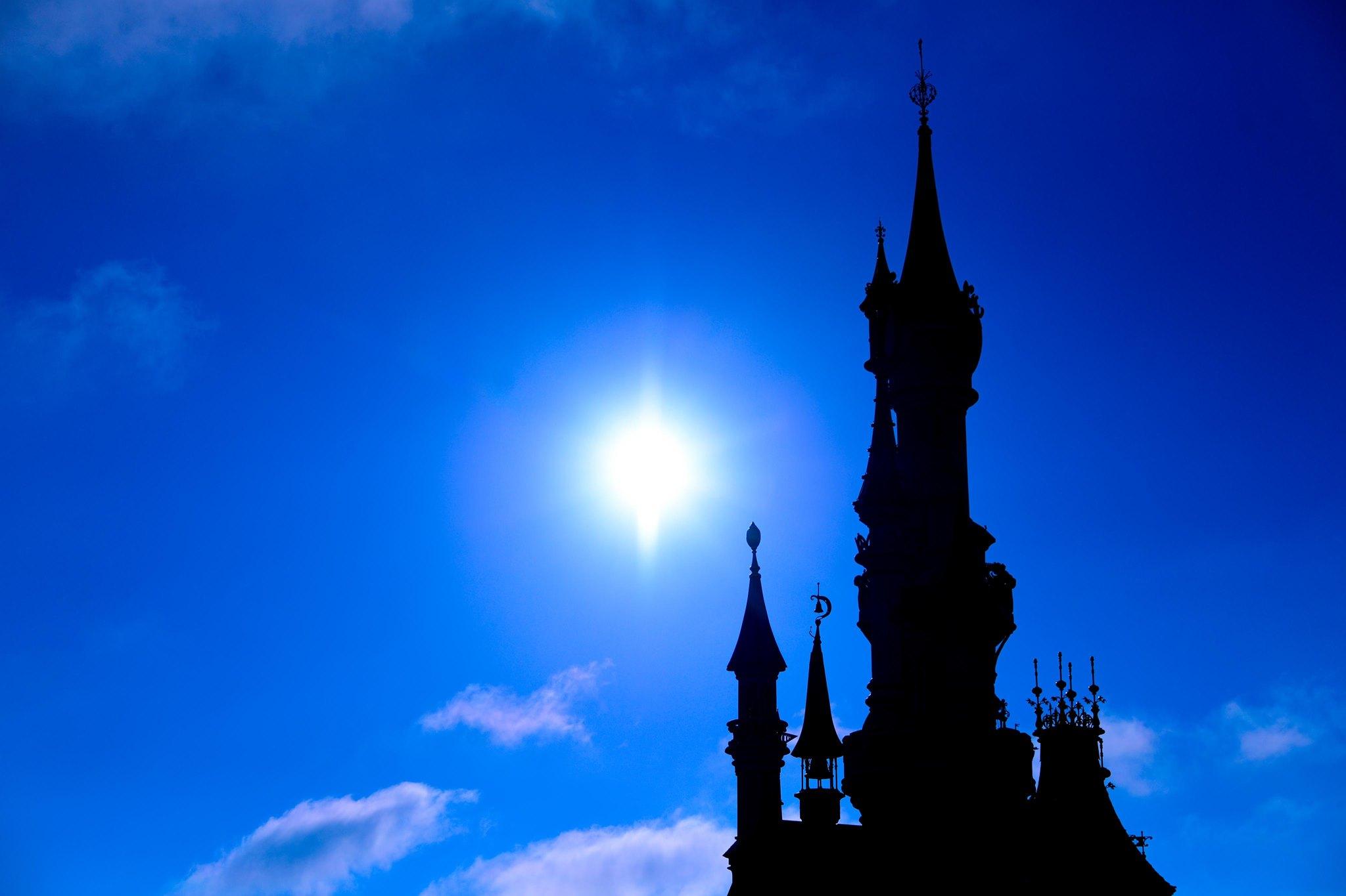Bevestigd: Disneyland Paris moet heropening voor 3de keer uitstellen !